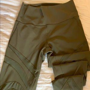 Lululemon    Army Green     Full length leggings